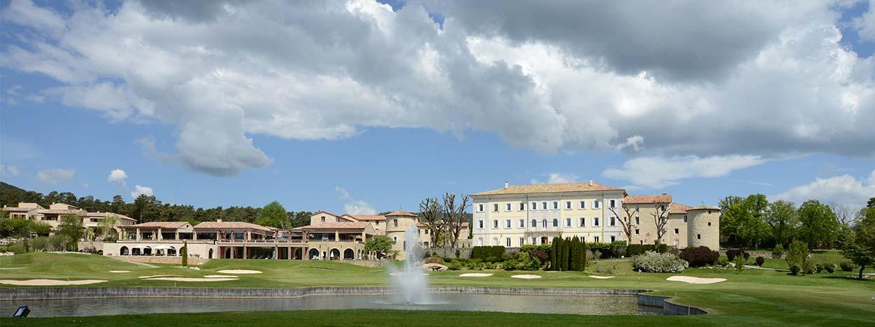 http://www.senior-vacances.com/wp-content/uploads/2014/12/route-napoleon-chateau-de-taulane.jpg