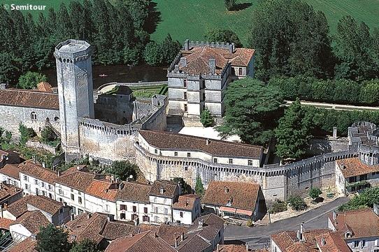 Château de Bourdeilles en Périgord