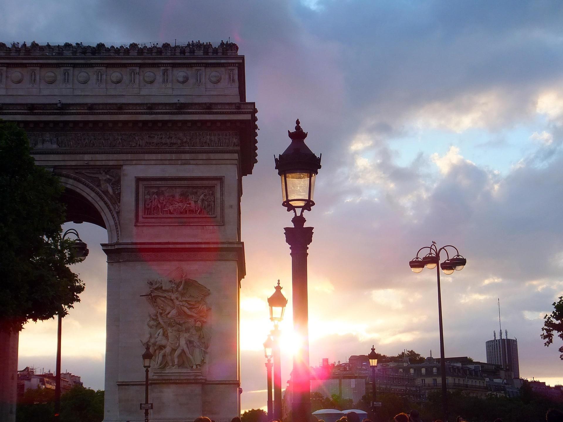 Coucher de soleil sur l'Arc de Triomphe