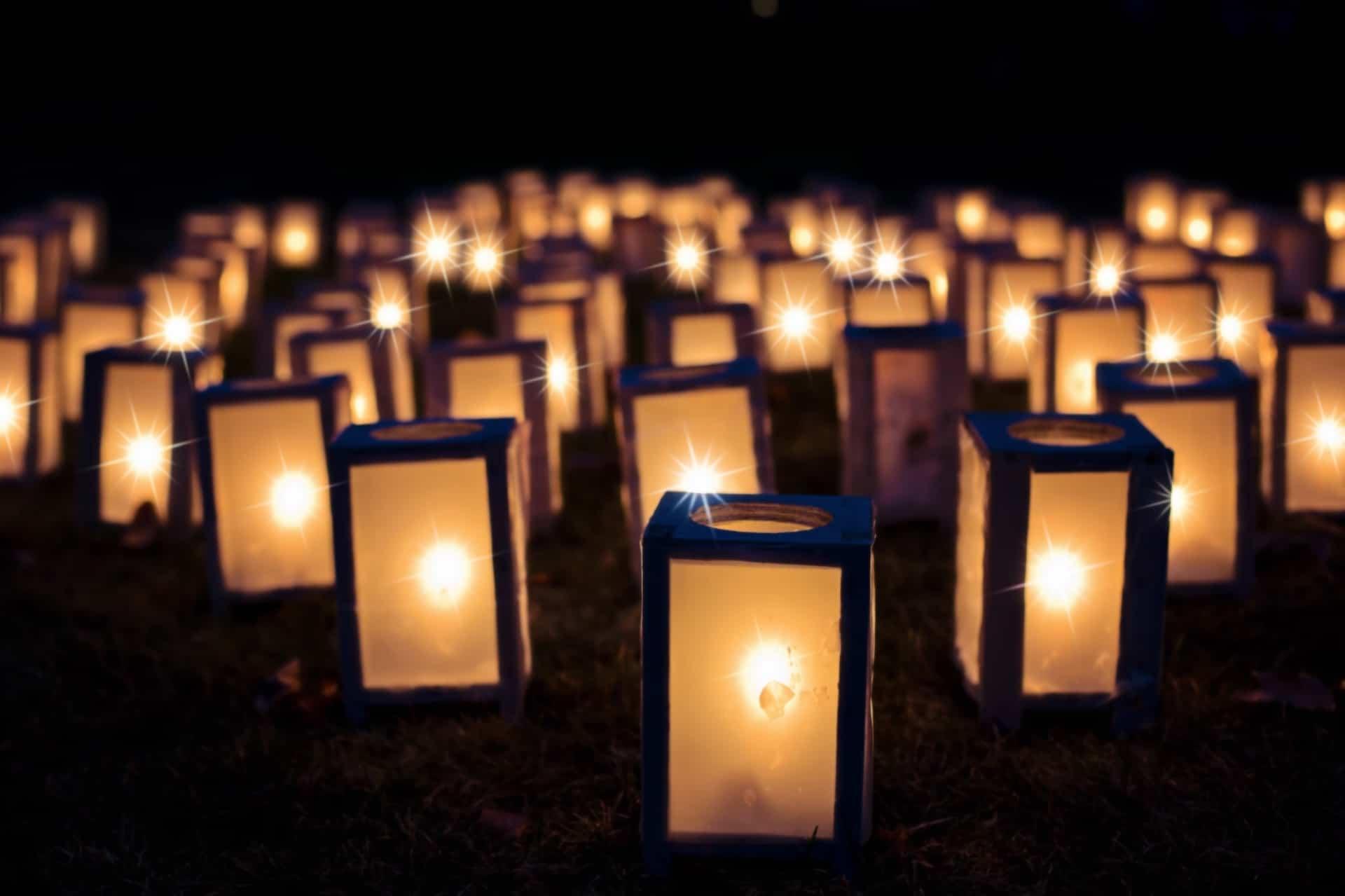 Bougies illuminants la nuit