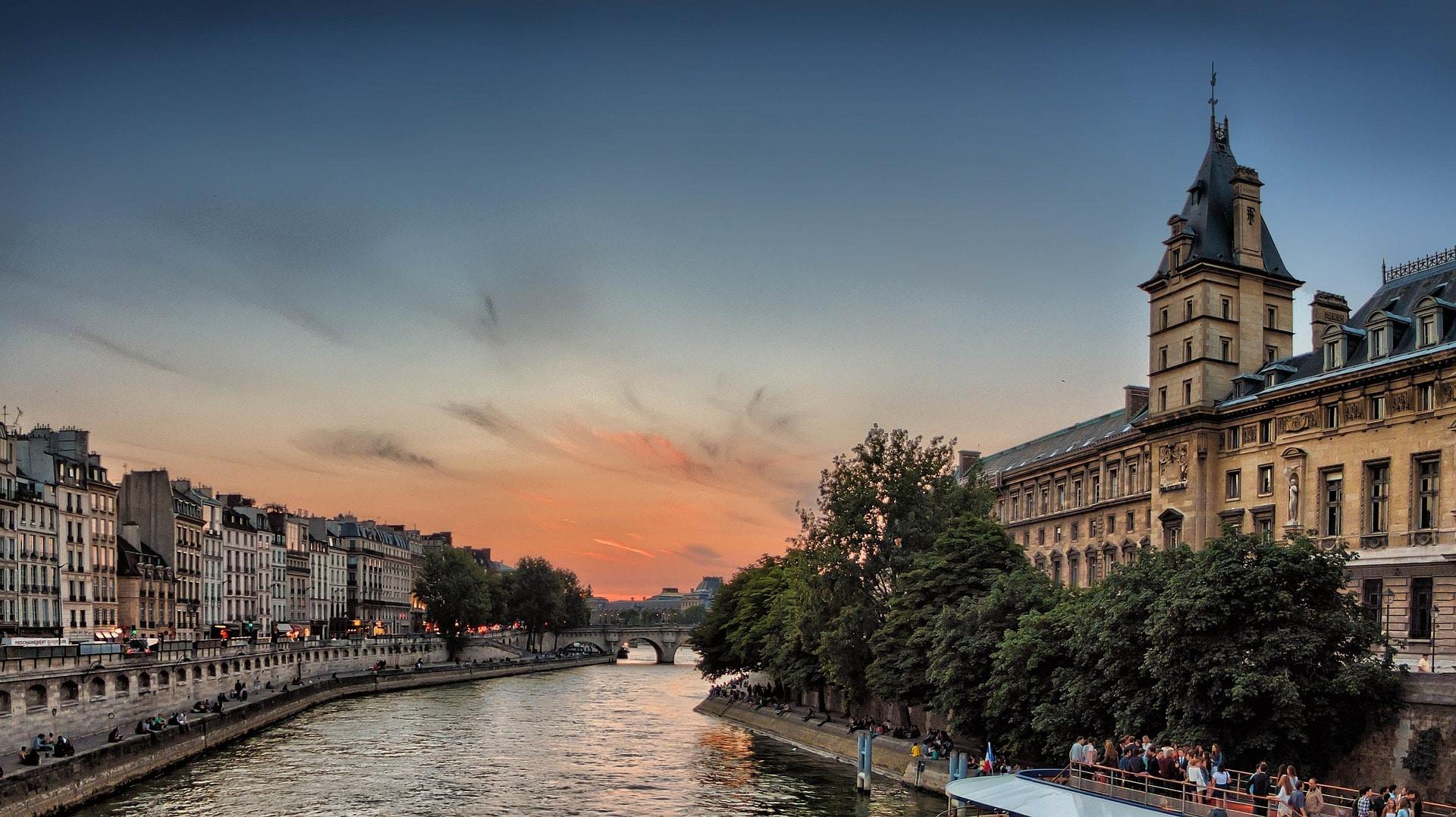 seine-river-985605_1920