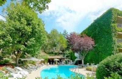Hôtel Villa Borghese 4* à Greoux les bains