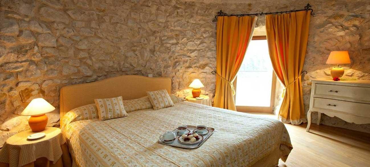 Chambre château de Taulane Golf et resort