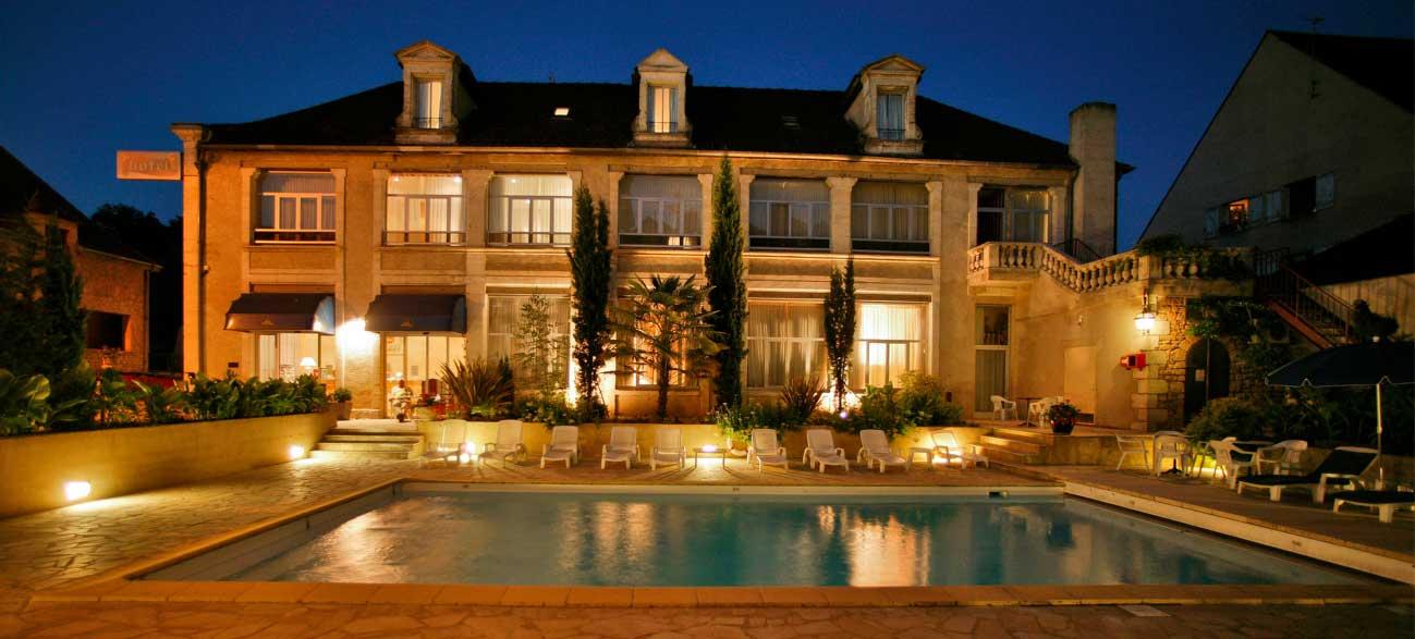 H Tel En Dordogne Avec Piscine Dans Le Centre Ville De Sarlat