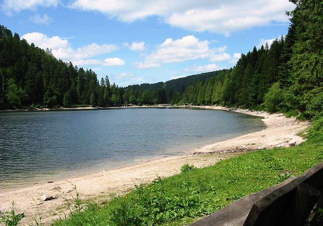 lac des corbeaux pour les ameteurs de pêche dans les Vosges