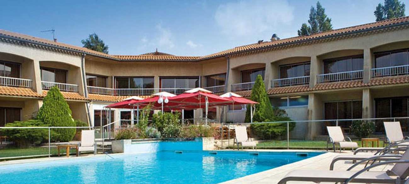Piscine de l'hôtel Best Western Clos Syrah à Valence