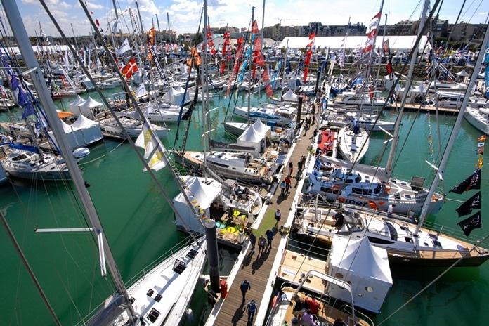 Salon nautique de La Rochelle au port des Minimes