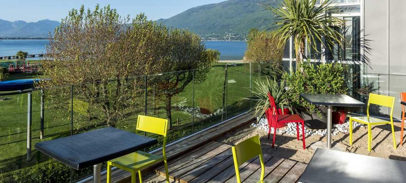 Terrasse de l'hôtel Best Western Aquakub à Aix-les-Bains