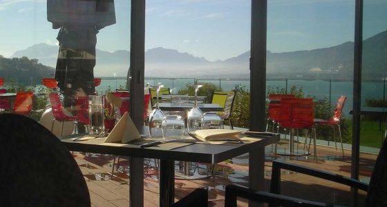 Terrasse du restaurant de l'hôtel Best Western Aquakub à Aix-les-Bains