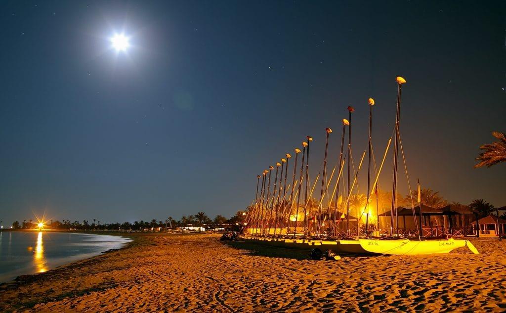 Coucher de soleil sur la plage à Djerba