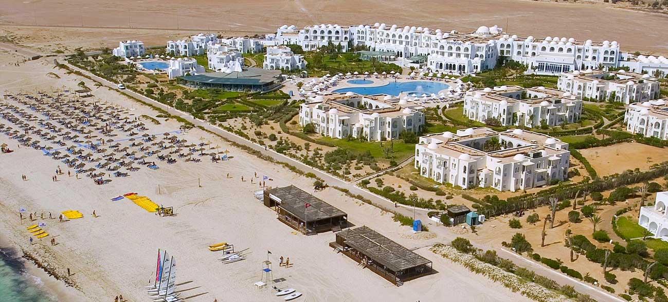 Plage de l'hôtel Vincci Helios Beach à Djerba