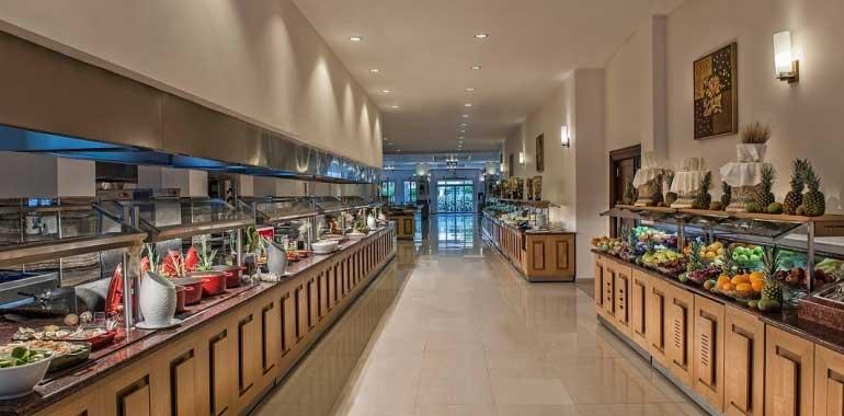 Restauration à l'hôtel Kaya Artemis 5* à Chypre