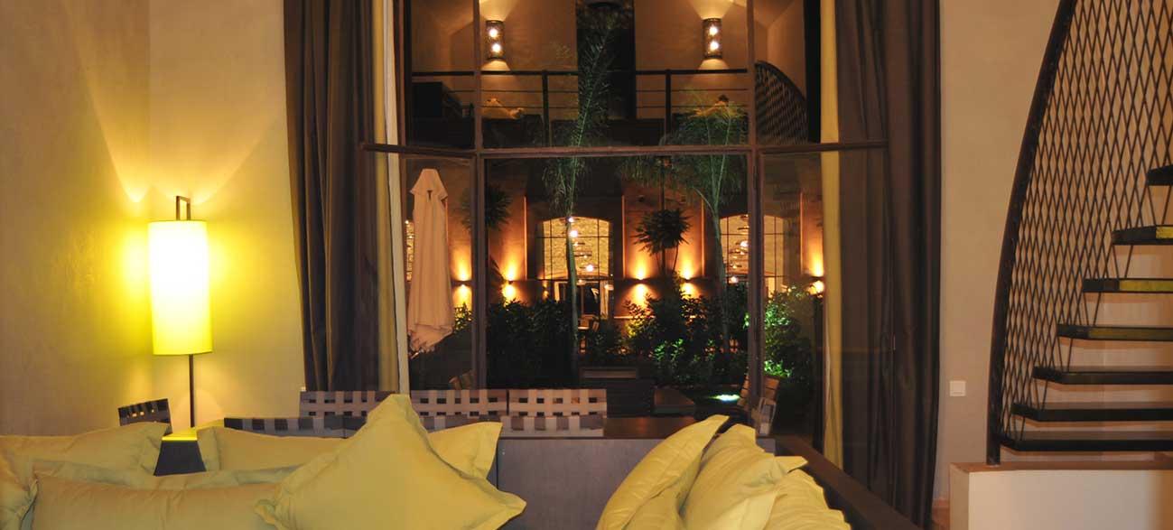 Vue salon d'une villa à Marrakech au Maroc