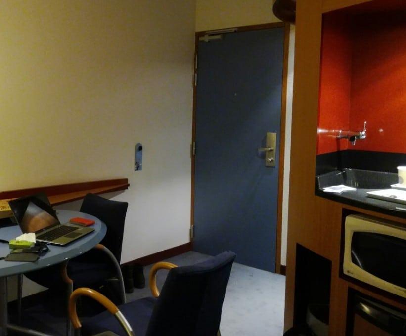 Espace travail et détente du Novotel Suites Clermont Polydome