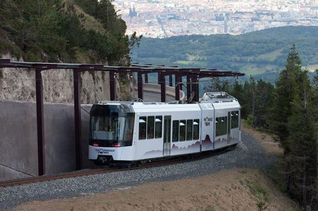 Train panoramique des Dômes pour le sommet du Puy de Dôme