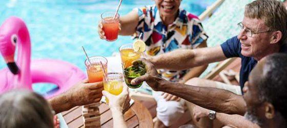 Groupe de retraités en vacances
