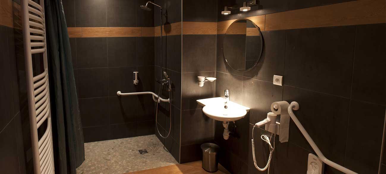 Location d'un appartement avec salle de bain à Batilly-en-Puisaye