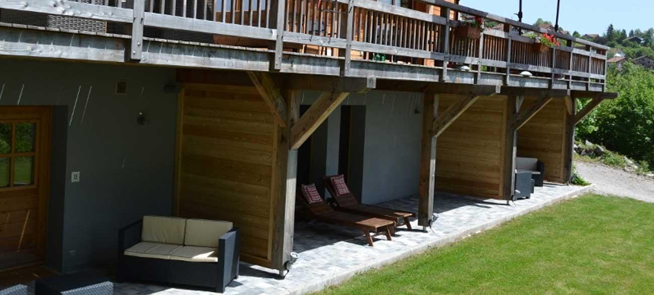 Vue terrasse des chambres Chalet chambres d'hôtes Les Roches Paîtres à Gérardmer