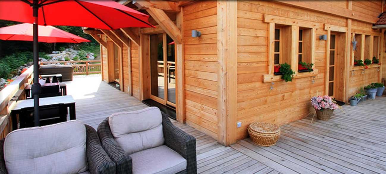 Terrasse Chalet chambres d'hôtes Les Roches Paîtres à Gérardmer