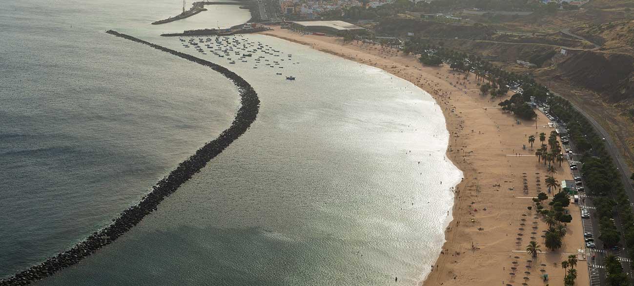 Page de sable à Tenerife aux Canaries