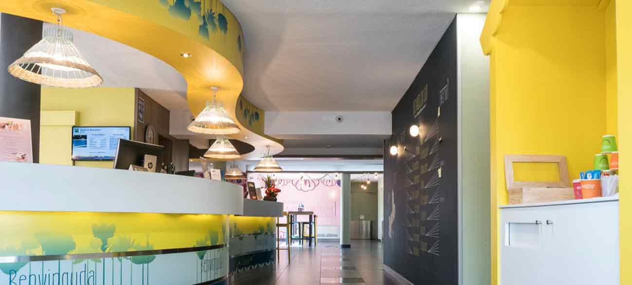 Réception dans un hôtel à Canet-en-Roussillon