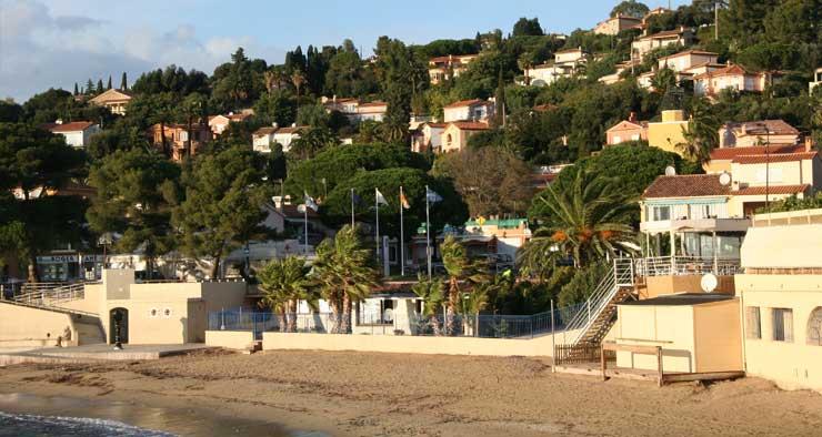Plage à proximité de la résidence Les Calanques des Issambres, Baie de Saint-Tropez