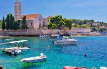 Port de Hvar durant votre croisière en Croatie