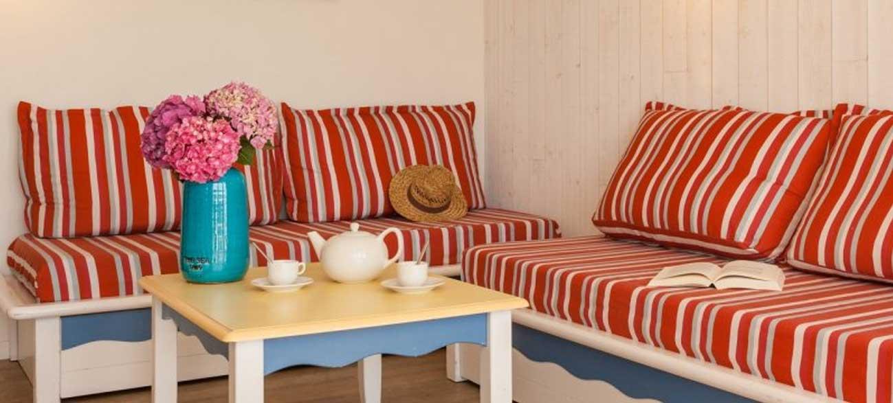 Salon dans appartement en location de vacances Résidence Cap Morgat