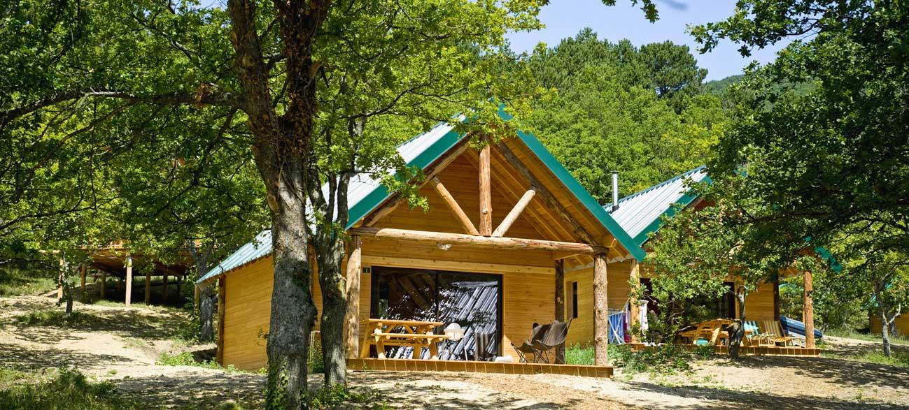 Hébergement Cabane Etienne du Village Huttopia de Dieulefit en Drôme Provençale