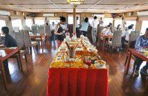 Petit-déjeuner sur le bateau de Croisière sur le Mekong Cambodge, Vietnam