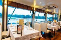 Restaurant sur le bateau de Croisière sur le Mekong Cambodge, Vietnam