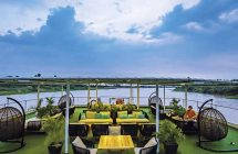 Terrasse sur le bateau de Croisière sur le Mekong Cambodge, Vietnam