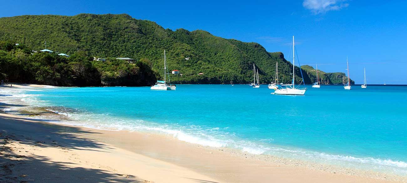 Plage de l'île Béquia Croisière Iles Grenadines