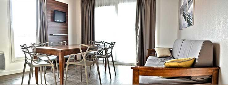 Salon d'un appartement dans une résidence hôtelière à Aix les Bains