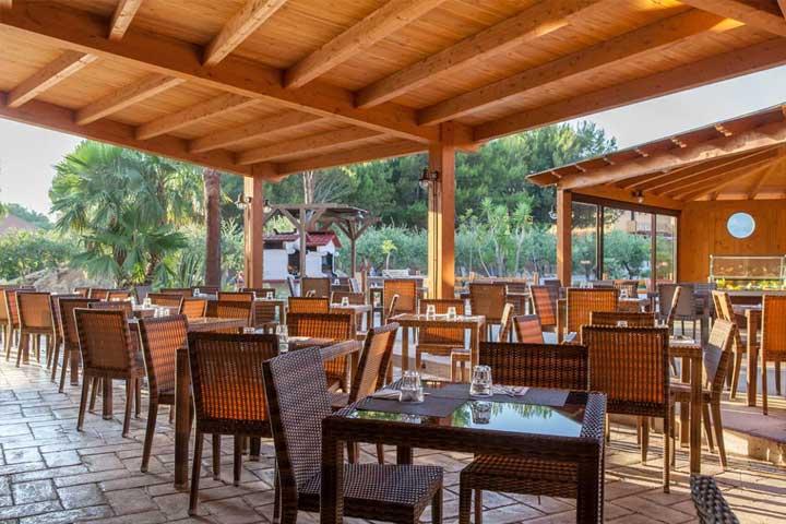 Restaurant au Club Marmara Sicilia, Italie, Sicile