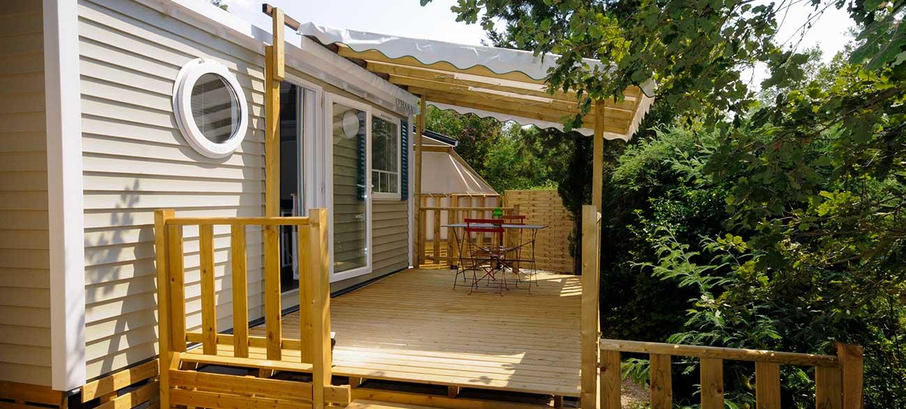 Location Terrasse sweetflower Jacuzzi Camping à Ramatuelle à proximité du golfe de St Tropez dans le Var