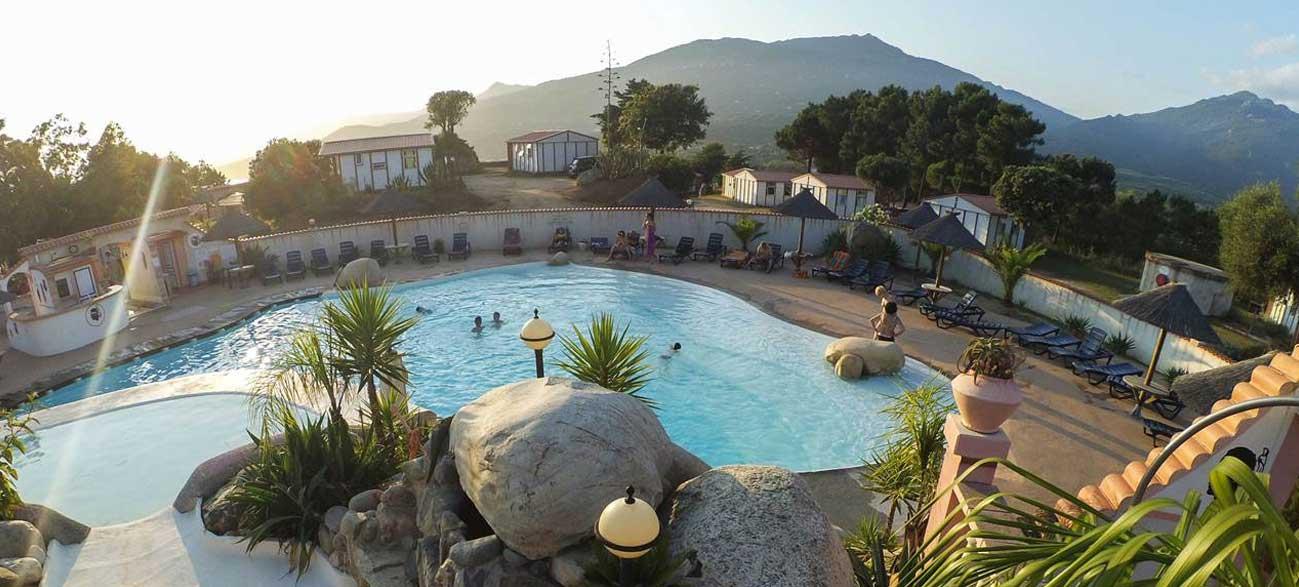 Piscine Camping Tikiti à Propriano en Corse