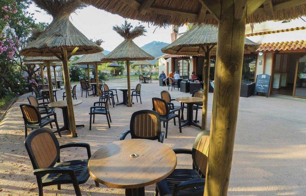 Vue Terrasse restaurant Camping Tikiti à Propriano en Corse