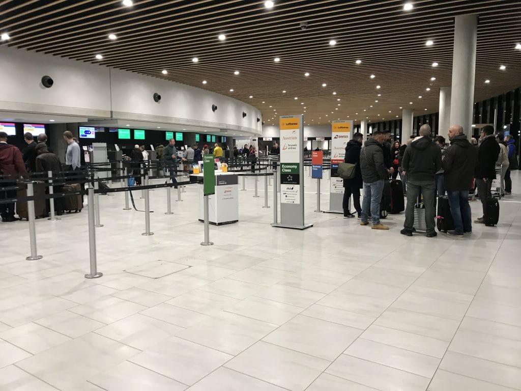 Salle d'embarquement aéroport Saint Exupéry