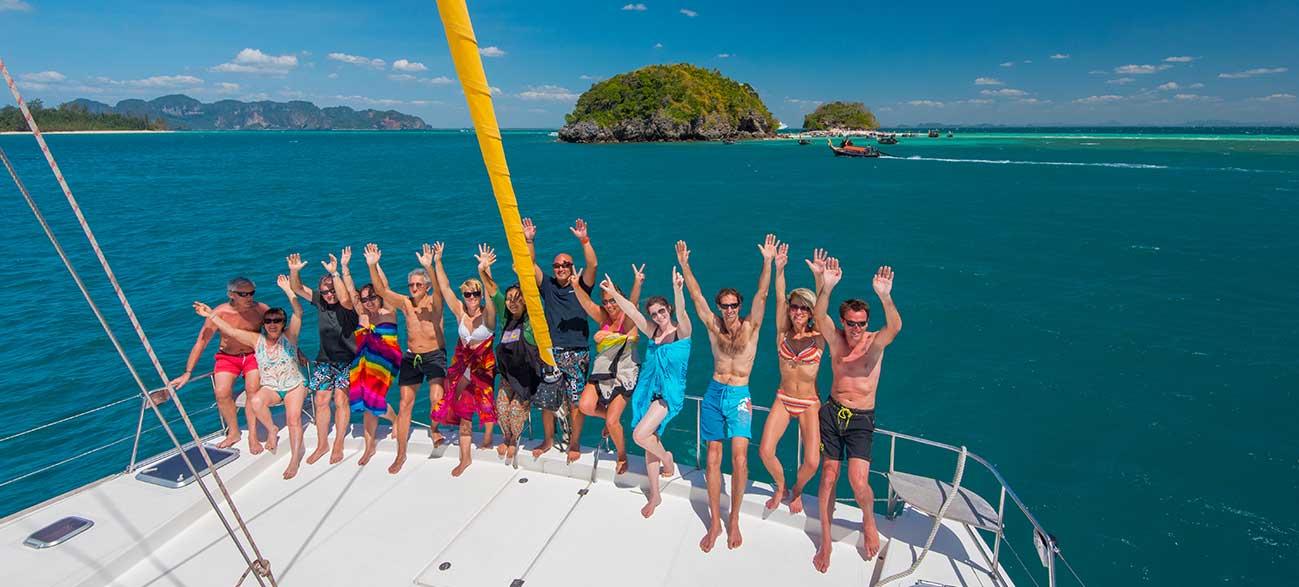 Voyageurs sur le catamaran - Croisière Thaïlande