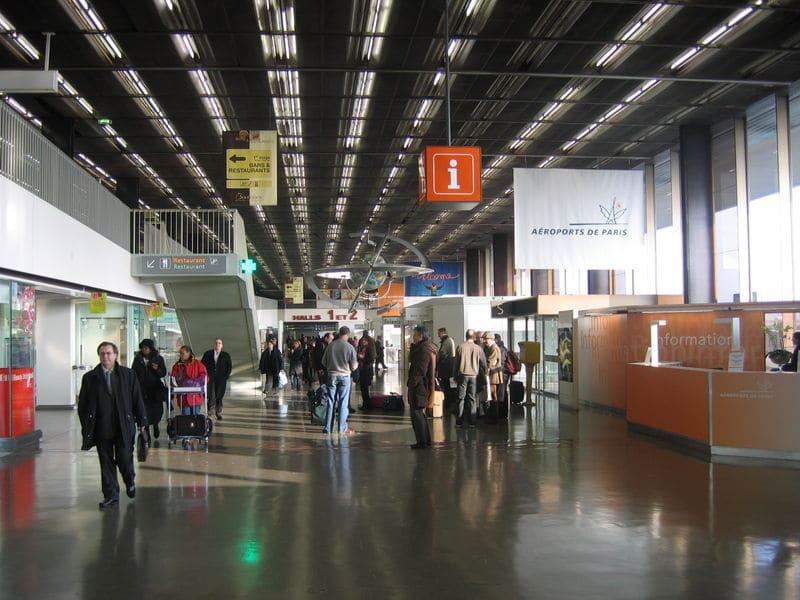Hall d'un terminal à Orly