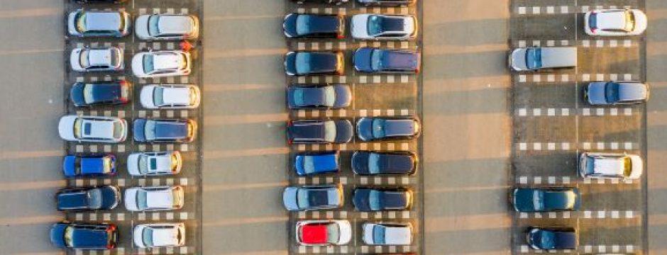 Vue aérienne parking aéroport