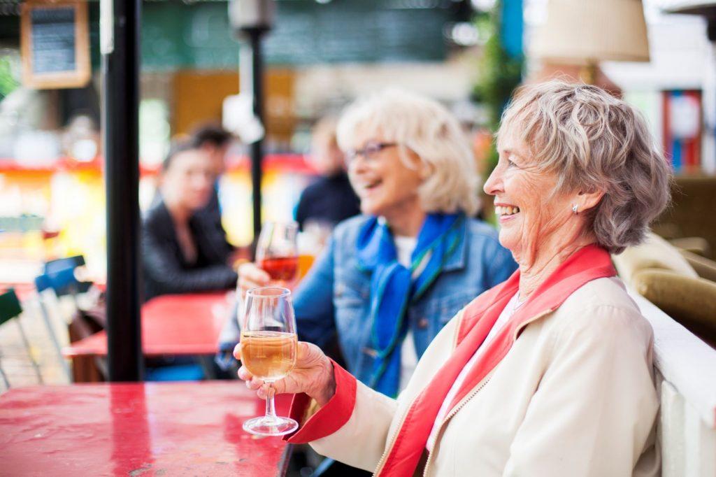 Seniors au restaurant