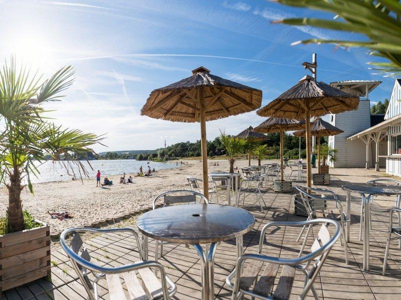 Plage du lac d'Ailette en Normandie